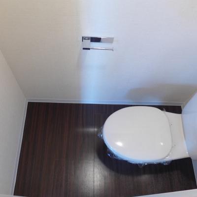 トイレもシンプル。清潔感ばっちり!