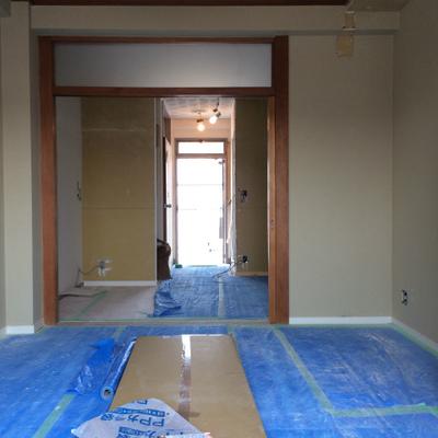 ダイニングと寝室は扉で区切れます。※工事中