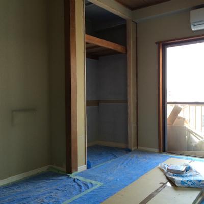 ベッドルームに収納があります。※工事中
