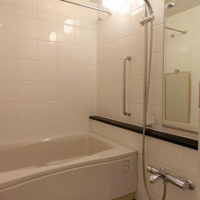 浴室乾燥に追い焚き機能付きのバスルーム