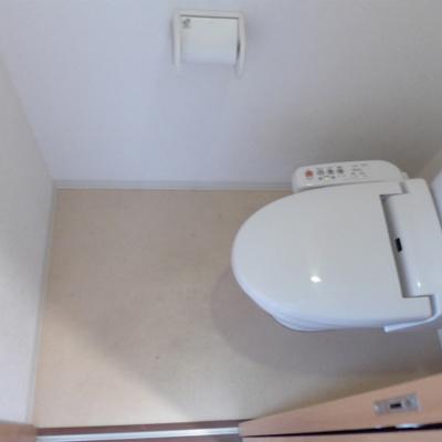 トイレは嬉しいウォシュレット付き。