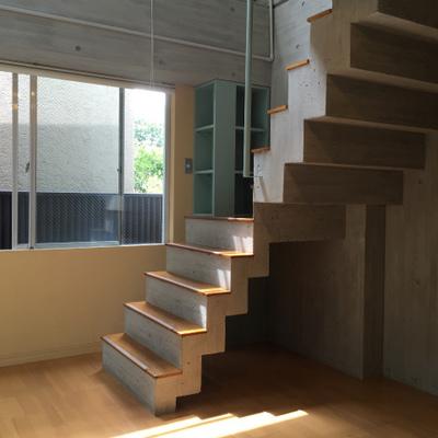 1階はかっこいい階段