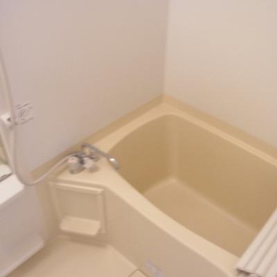 お風呂はふつうですね。ボケボケですみません。