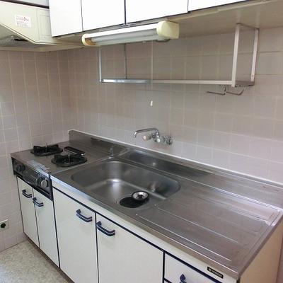 2口コンロのキッチンは、お部屋から独立