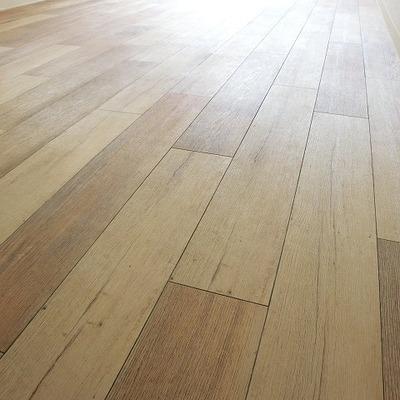 床はこんな感じ。