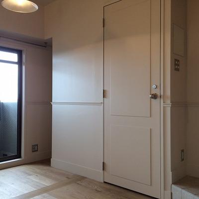 トイレのドアもなんだか可愛い