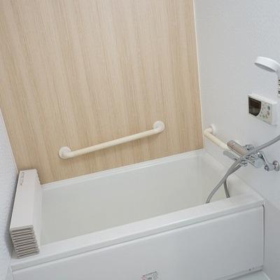 お風呂、ぴかぴかになりました!追い炊きつき。