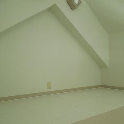屋根裏部屋みたいなロフト
