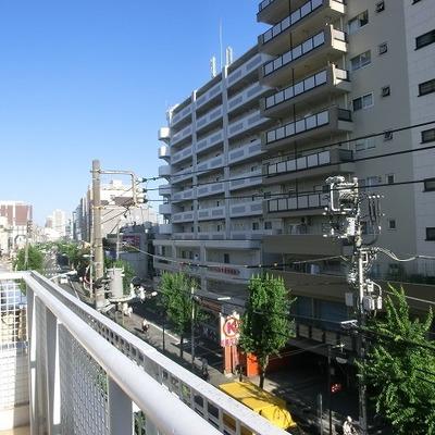 爽快です。中野の街を眺めます。