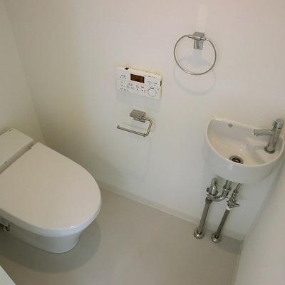 ここにも手洗いが。