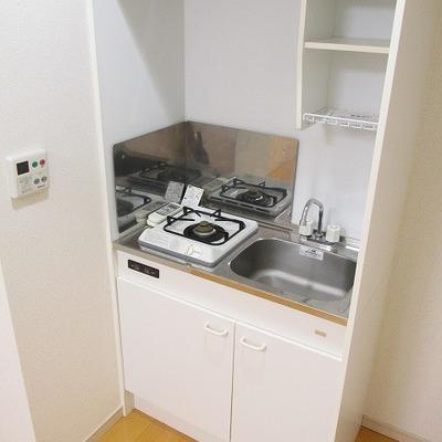 キッチンは、1コンロなので料理でフル活動は厳しいかも