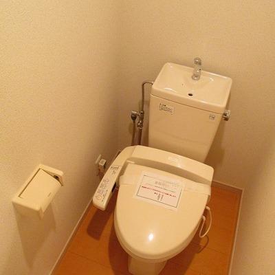 トイレは、別になります。