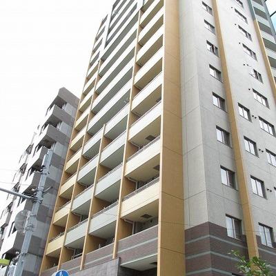 15階建てのマンション高級感があります。