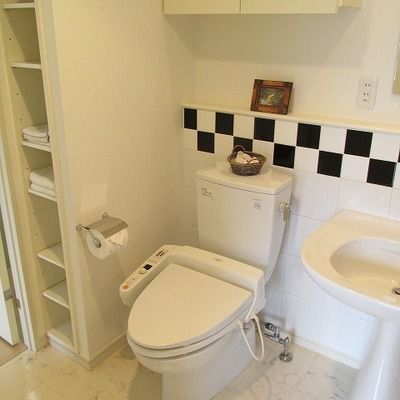 トイレはシンプルな感じです。