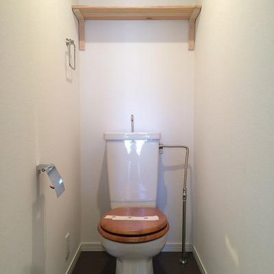 トイレは既存を使用。上部に棚を設置予定!