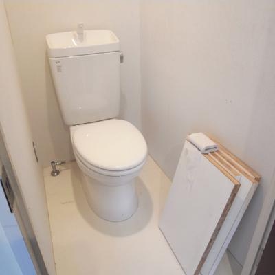 トイレはウォシュレットではありません