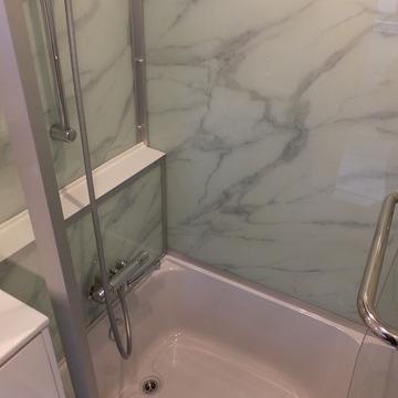 お風呂はこちら!ガラス張りです!※写真は前回募集時のものです