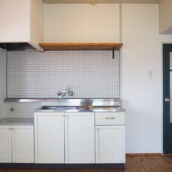 キッチンは持ち込み式です。ガスok!
