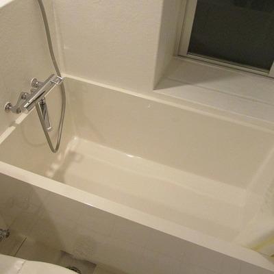 お風呂もしっかり入れます。※写真は別部屋です