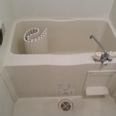 お風呂は少し狭いかな~。