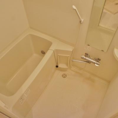 お風呂は普通な感じ※前回募集時の写真です