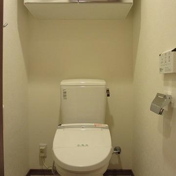 収納のあるトイレ