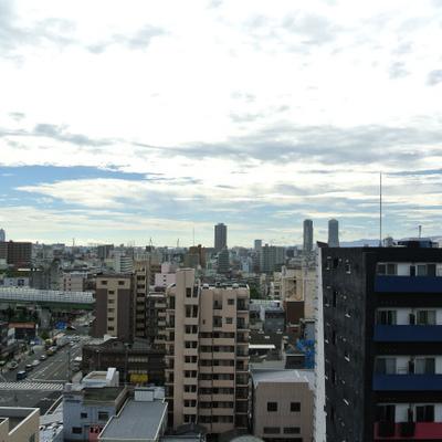 大阪・西半分の空(上)