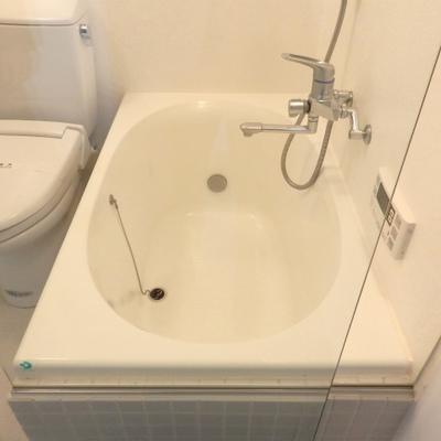丸いお風呂可愛く※画像は別室です