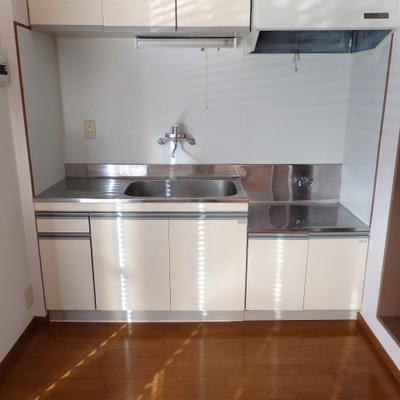 キッチンは置型です