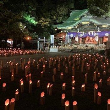 歩いて10分くらいの所に「東京のへそ」と言われる大宮八幡宮があります(写真は「十五夜の神遊び」時に撮影したもの)