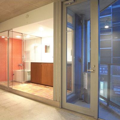 カーテンレールがないので工夫を・・※写真2階の同間取り別部屋です