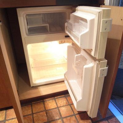 ミニ冷蔵庫ですが、ちゃんと冷凍庫があります※写真2階の同間取り別部屋です