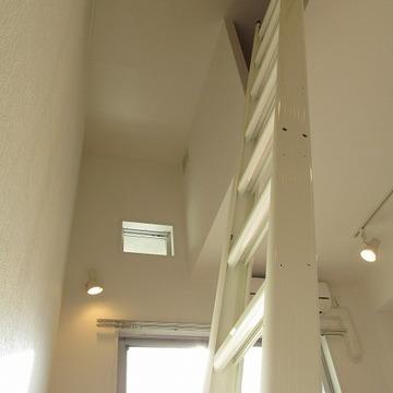 ロフトを活用するお部屋です。※写真は別部屋