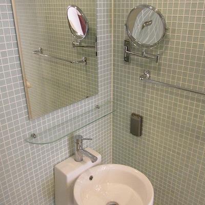 洗面台は浴槽と一緒です。※写真は別部屋