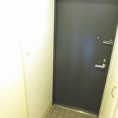 玄関も広めです。
