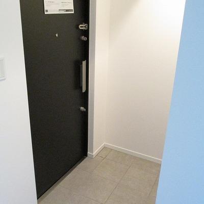 玄関も広々です。※写真は前回募集時のものです
