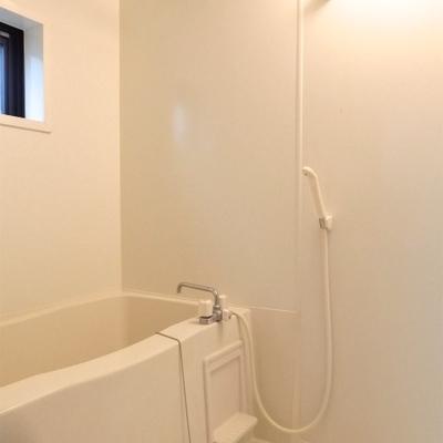 お風呂は浴室乾燥可