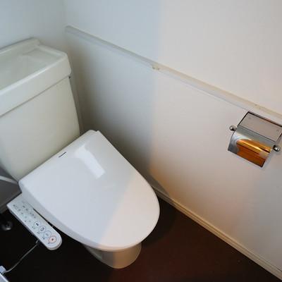 トイレは個室でウォシュレット!※前回募集時の写真です