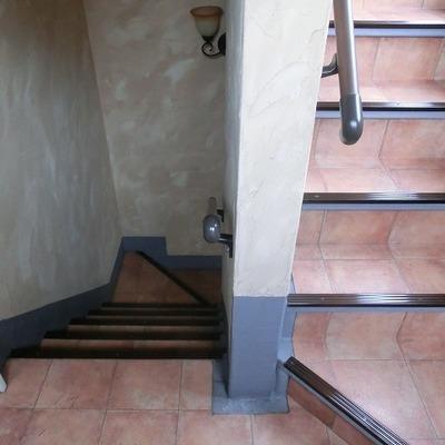 お部屋までは階段です。※写真は過去のものです