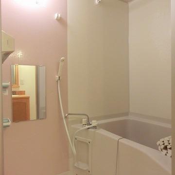 お風呂には浴室乾燥つき!※写真は過去のものです