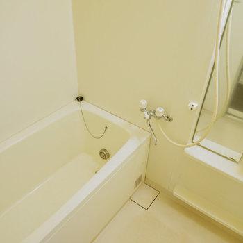 追い焚き付きのお風呂はまだまだキレイです