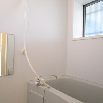 お風呂にも窓が!