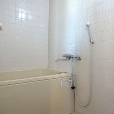 お風呂は追い焚き付きです※写真は前回募集時のものです