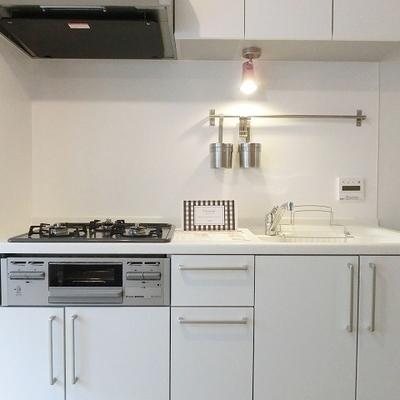 キッチンは設備充実◎ ※画像は前回募集時のものです。