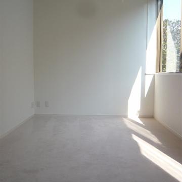こちらは8帖の洋室。※写真は前回募集時のものです