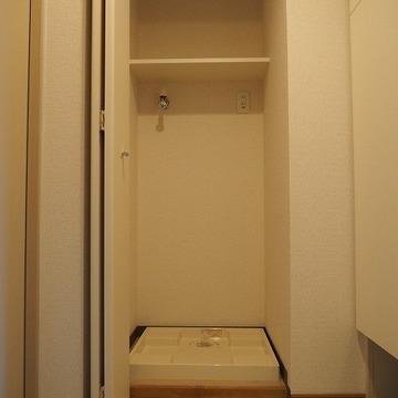 室内洗濯機置き場はドア付き