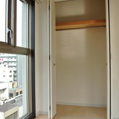 クローゼットと窓※写真は801号