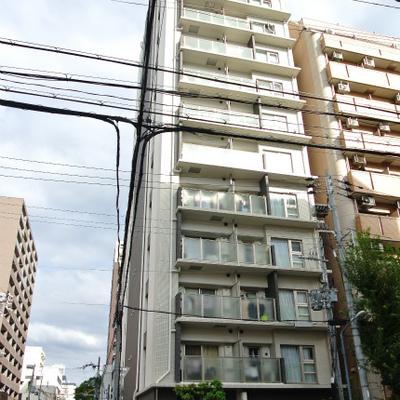 キレイ系マンション。西長堀駅近いです