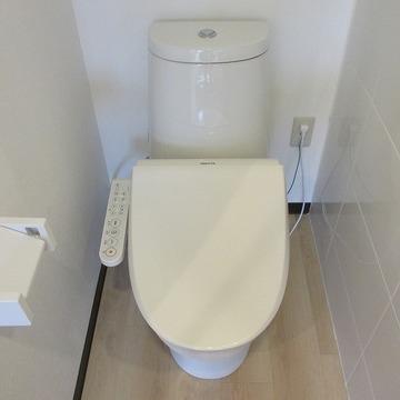 ウォシュレット付きのトイレ※写真は前回募集時のものです