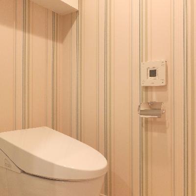 トイレ周りのクロスがメルヘンです